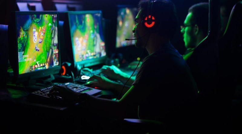 AI Destroys Pro Gamers